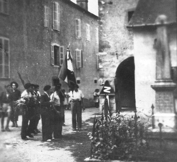 En 1944, les FFI saluent notre monument - photo 2