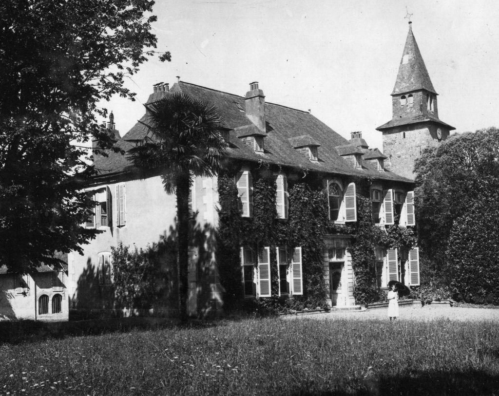 Le château Frachon, le parc, le clocher