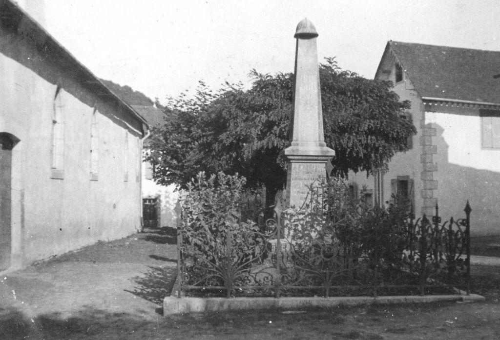 Monument aux morts des deux guerres
