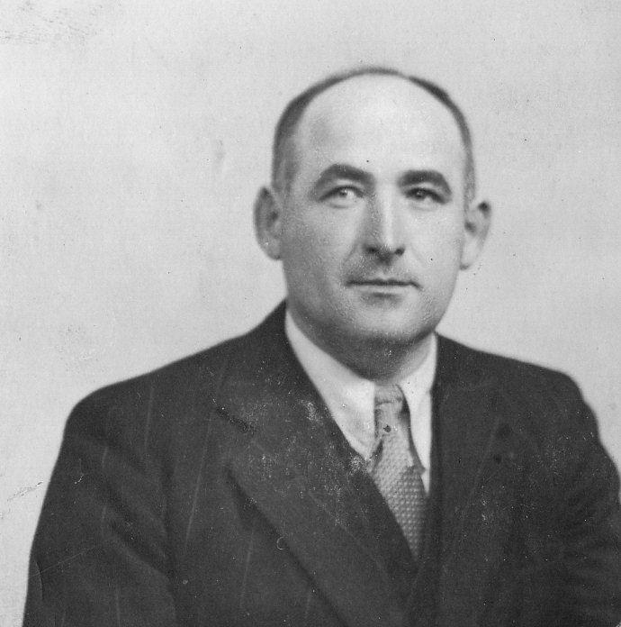 M. Berrieix, instituteur et secrétaire de mairie