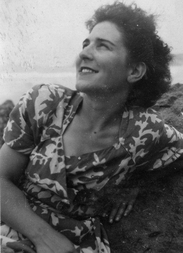 Mme Castro, institutrice