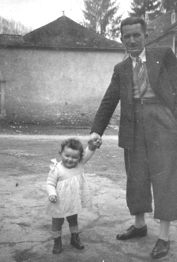 Une famille : Auguste et sa fille Denise