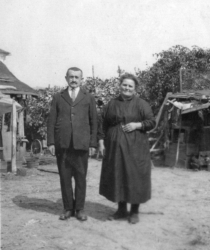 Père et mère de la famille Capdepon : 12 enfants