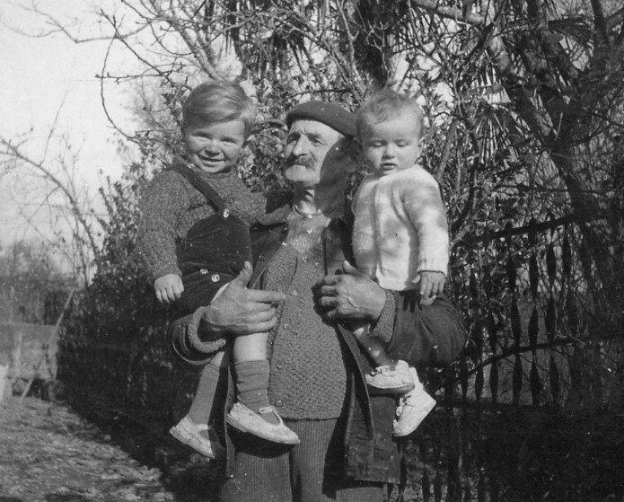 Jean Guilhem Bouhaben et ses petits fils