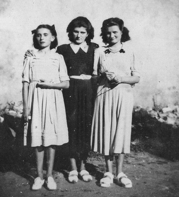 Les trois soeurs Pucheu