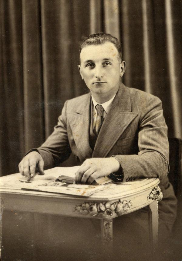 M. Labourdette, Maire