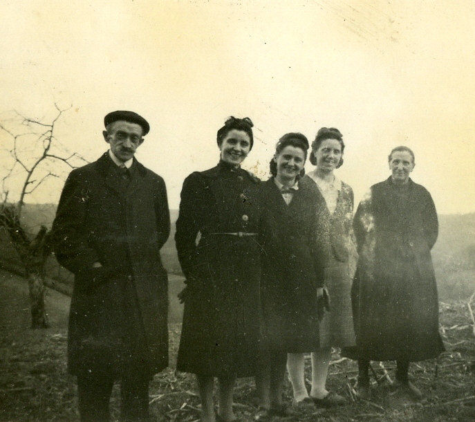 A droite, Cécile Cabanné Paillassa et sa fille