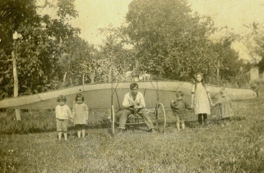 Joseph Capdepon et son planeur 1920